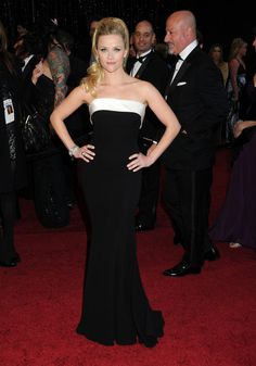 Reese Witherspoon Strapless Dress - Reese Witherspoon Looks - StyleBistro