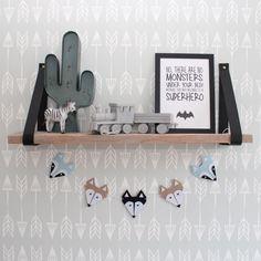 Decoratieve Kidsware slinger met vossen en wasberen voor de babykamer en kinderkamer