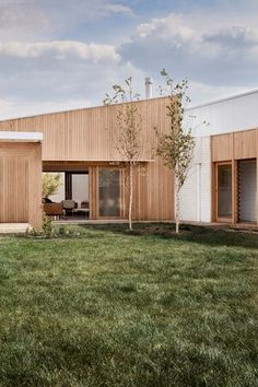 GalaHouse - Orange, NSW — pw studio Beautiful Architecture, Architecture Design, Foster House, Sweet Home, Prefabricated Houses, Outside Living, Facade House, House Extensions, Future House