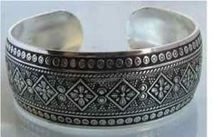 Google Image Result for http://jewellery-design.gloriajewelry.com/pic/92/new-tibetan-tibet-silver-totem-bangle-cuff-bracelet-85.jpg