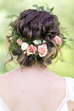floral crown with peach spray roses, ivy, and plumosa