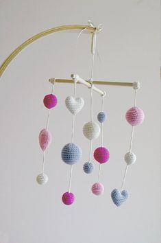 Cuna Crochet rosa niña móvil marfil/rosa/gris por YarnBallStories