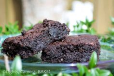 Brownies - or as I like to call them- oxymoron brownies. They are crumbly but they are are super fudgy. I know, it doesn't make sense but trust me. These are amazing! Click the photo for the . Baking Recipes, Dessert Recipes, Baking Desserts, Chocolate Cupcakes Filled, Healthy Brownies, Digestive Biscuits, Chocolate Brands, Thing 1, Healthy Baking