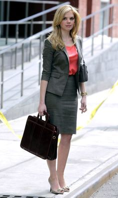 Dreama Walker wearing a grey suit with a tight pencil skirt for filming of Don't Trust the Bitch in Apartment Only Fashion, Suit Fashion, Work Fashion, Womens Fashion, Office Fashion, Tight Pencil Skirt, Tight Skirts, Mini Skirts, Dreama Walker