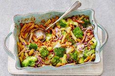 Pasta, groenten en kaas tover je in de oven om tot een heerlijke schotel - Recept - Allerhande