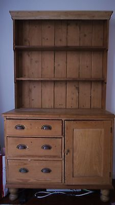 Welsh Dresser Welsh Cottage, Cottage Style, Country Homes, Country Decor, Welsh Dresser, Dresser Handles, Dresser Ideas, Happy House, Beach House Decor