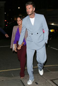 Big Suit Energy: How To Do Oversized Tailoring Mens Fashion Wear, Best Mens Fashion, Suit Fashion, Double Denim, Pink Suit Men, David Beckham Style, Modern Suits, Mode Costume, La Mode Masculine