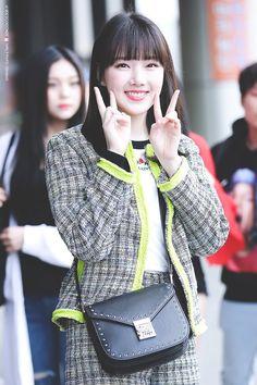 Kpop Girl Groups, Korean Girl Groups, Kpop Girls, Bubblegum Pop, Extended Play, Rat Family, Entertainment, G Friend, Music Photo
