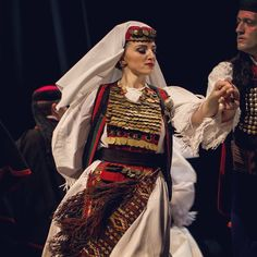 Serbian folk costume from Glamoc, Bosnia * ansambl Kolo