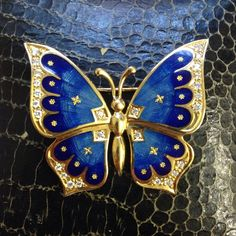 18 carat gold butterfly brooch,