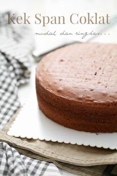 Ramai yang bertanya, bagaimana nak membuat kek span asas yang lembut dan gebu..  Ita masih setia pada yang satu.. Kek Span Coklat yang d...
