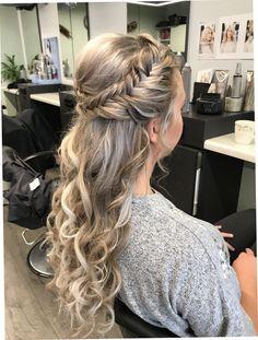 Prachtig Haar Krullen Bruiloft Side Hairstyles, Bohemian Hairstyles, Braided Hairstyles, Wedding Hairstyles, Front Hair Styles, Medium Hair Styles, Birthday Hair, Long Hair Video, Bride Hair Accessories