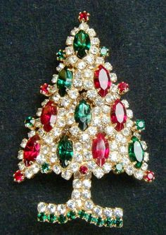 Eisenberg Ice Vintage Sparkly Rhinestone Christmas Tree Brooch