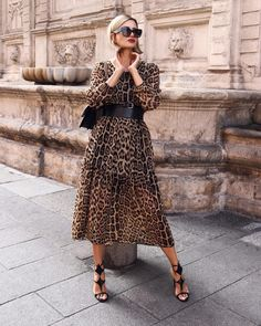 Casual Fall Outfits That Will Make You Look Cool – Fashion, Home decorating Animal Print Dress Outfits, Leopard Print Outfits, Animal Print Fashion, Leopard Dress, Fashion Prints, Paris Chic, Vestidos Animal Print, Outfit Vestidos, Mode Ootd