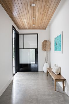 Wooden Ceiling Design, Timber Ceiling, Timber Walls, Wooden Ceilings, Concrete Interiors, Modern Entry, Concrete Floors, Concrete Bench, Orange House