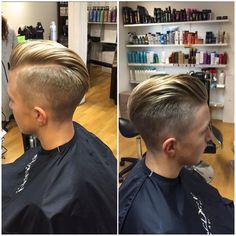 En av dagens alla trevliga kunder, kort hår, attityd, och rakad bena. Nice friday! #haircut #redkensweden #redken #035city #frisör #köpmansgatan #wiehair #rakadbena #herrklippning #trend #attityd #cool #friday
