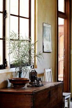 antique, simple, and elegant :: from That Kind Of Woman