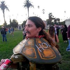 This recreation of Tortuga's death. ~spoiler~ | 24 Halloween Costumes That Will Make You Do A Double Take
