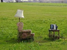 Al fresco living: a sculpture in the national Botanic Garden of Wales (Photo by Charles Stirton).