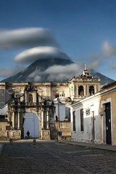 Antigua Guatemala - Volcan de Agua - Volcano Guatemala.