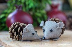 Schattige muisjes gemaakt van een dennenappel en vilt. Met duidelijke uitleg.
