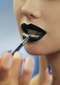 Creating Lip Art  At Karla Powell's Lip Art Workshop
