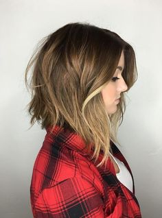 The bob (and lob) trendhas been around for a little while, but what we are loving even more these days is the inverted choppy bob. With its shorter back, this look is so gorgeous with either a dramatic or subtle angle. Add some beach waves and maybe even some balayage highlights and you've got yourself …