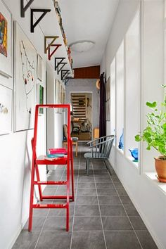 Small Space Solutions: 9 Perfect Places to Squeeze in Shelves