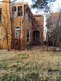 Abandoned mansion in Fairfax OK
