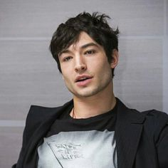 What is Ezra Miller's Race? Is the Actor Part Asian or Mixed-Race? Ezra Miller, Beautiful Men, Beautiful People, Mixed Guys, Mixed Race, Attractive People, Pretty Boys, Cute Guys, Celebrity Crush