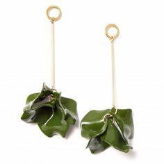 Серьги с зелеными подвесками