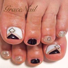 Black-White-Nude Toe nail art  #nailbook