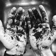 """15 Synes godt om, 1 kommentarer – Green Future Fighters (@greenfuturefighters) på Instagram: """"Som lovet kommer her 1. tip til hvad kaffegrums kan bruges til 👉🏻 Få de blødeste hænder ved at…"""""""