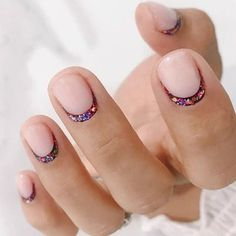 30 Minimalist Nail Art Ideas That Are Actually Doable minimalist nail art ideas reverse French mani rainbow dots gradient nails<br> The perfect mani, no skill required. Gradient Nails, Rainbow Nails, Galaxy Nails, Minimalist Nails, Reverse French Nails, Nail Art Halloween, Halloween Makeup, Gel Nail Removal, Confetti Nails