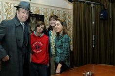 Safi and Kyle Hardy with actor Roger Allam, who plays Detective Inspector Fred Thursday, and his on-screen wife Win. This is the house ITV redid to use as the Thursday house in Endeavour. Cool article!  http://www.thisislocallondon.co.uk/news/10410203.Family_step_into_1960s_as_their_home_is_used_for_new_Inspector_Morse_series/