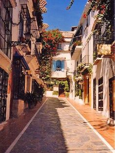 Marbella Old town - this little road is right by my favourite restaurant called Casainis superb food & wine selection.