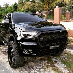 #allblack Ranger  Photo via ; @des_bka  @ford_lover_ford . . . #fordranger #ford#fordtrucks #fordpickup #ford4x4 #ford4life #ford4ever…