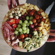 So Celebrate! - Because life is a party Antipasto Salad, Antipasto Platter, Diner Menu, Tea Snacks, Appetizers For A Crowd, Good Food, Yummy Food, Italian Party, Small Meals