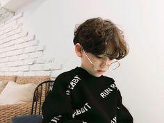 sunjae, irmão mais novo do sunwoo Lil Boy, Cute Baby Boy, Cute Little Baby, Little Babies, Cute Boys, Kids Boys, Baby Kids, Cute Asian Babies, Korean Babies