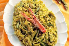 Tagliatelle, scampi e crema di asparagi