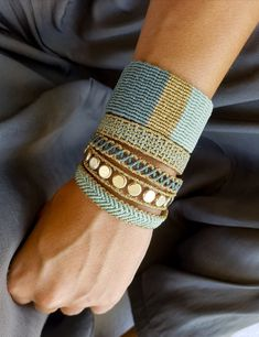 White and Cream Macrame Bangle,Knotted Wristband,Micro Macrame Wide Bracelet,Gold Metallic Waxed Thread,Woman Macrame jewelry Thread Bracelets, Macrame Bracelets, Handmade Bracelets, Loom Bracelets, Handmade Jewelry, Chevron Friendship Bracelets, Friendship Bracelets Tutorial, Macrame Art, Macrame Jewelry