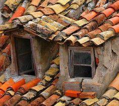 Best Viewed Large On Black Broken windows in Dubrovnik - perhaps never rebuilt after the bombings, or just too old for anyone to care. Old Windows, Windows And Doors, Tuile Canal, Broken Window, Roof Tiles, Dubrovnik Croatia, Old Doors, Wabi Sabi, Doorway