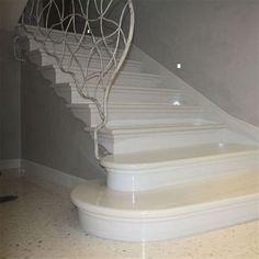 Immagine di Scala in marmo bianco Lasa