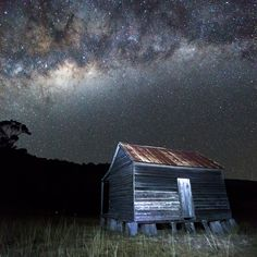 Explore over 15 national parks across the Scenic Rim - spend the night under the stars to admire the beautiful night sky  http://blog.queensland.com/2014/09/12/star-trail-photos-video-scenic-rim-queensland/ #thisisqueensland