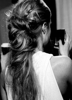 Party hair http://www.flair.be/nl/kapsels/266424/de-beste-partykapsels-van-pinterest