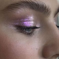 purple shimmery glitter eye make-up Makeup Goals, Makeup Inspo, Makeup Art, Makeup Inspiration, Makeup Tips, Hair Makeup, Makeup Ideas, Fashion Inspiration, Beauty Make-up