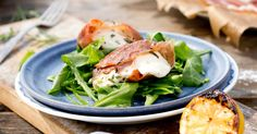 Grilled Mozzarella with Parma Kiwi, Mozzarella, Food From Different Countries, Salmon Burgers, Wine Recipes, Grilling, Favorite Recipes, Chicken, Meat
