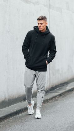 Keep your style fresh with the new Gymshark Men's Degree Pullover. Stylish Mens Outfits, Sporty Outfits, Athletic Outfits, Running Outfits, Gym Outfits, Beach Outfits, Chic Outfits, Mens Clothing Uk, Men Clothes