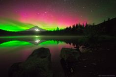 L'image du jour : Aurore Boreale à Trillium Lake, Oregon