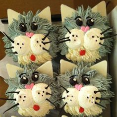 Catsparella: Cat Cupcakes Tuesdays - Grey Cat - Ideas of Grey Cat - Catsparella: Cat Cupcakes Tuesdays The post Catsparella: Cat Cupcakes Tuesdays appeared first on Cat Gig. Animal Cupcakes, Love Cupcakes, Cupcake Cookies, Puppy Cupcakes, Kitten Party, Cat Party, Kitten Cake, Cat Birthday, Fancy Cakes